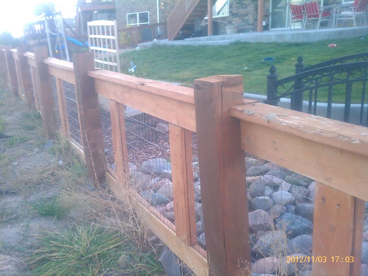 wire mesh fence to keep dogs inside aurora